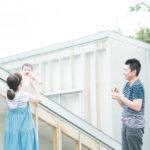 6ヶ月、ベビー、ハーフバースデーでの家族写真!たかいたかいでご機嫌 - 宇都宮のフォトスタジオ イマピクトで