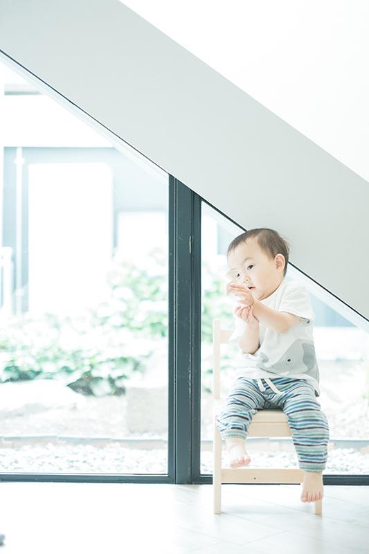 がくくん、1歳6ヶ月!スタジオにも慣れて本領発揮!きのおもちゃで遊ぶ