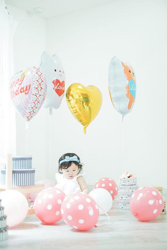 こよいちゃん1歳バースデー、風船や可愛い箱などたくさんのアイテムをお持ち込みいただきました!