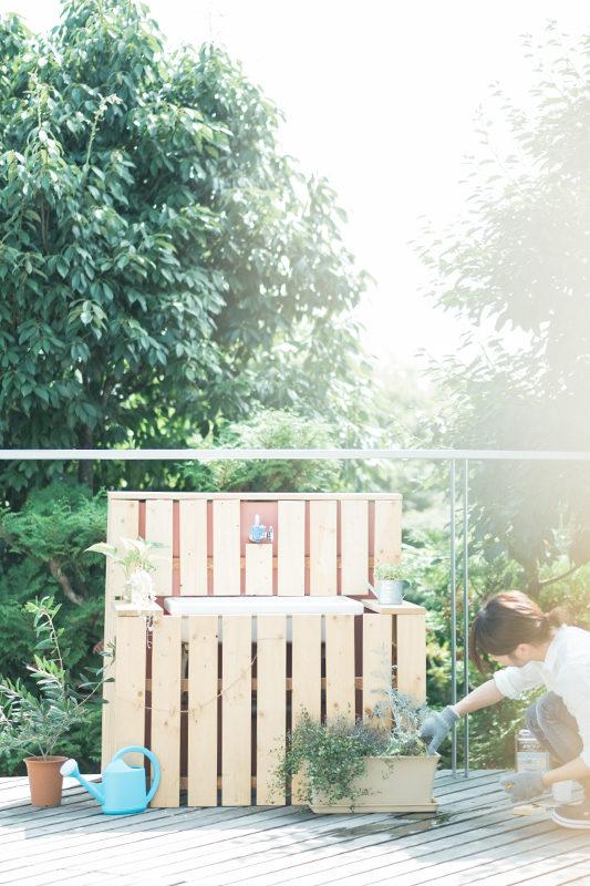 庭先DIY、とりあえず一時完成!この後少しずつ色を濃く塗っていきます