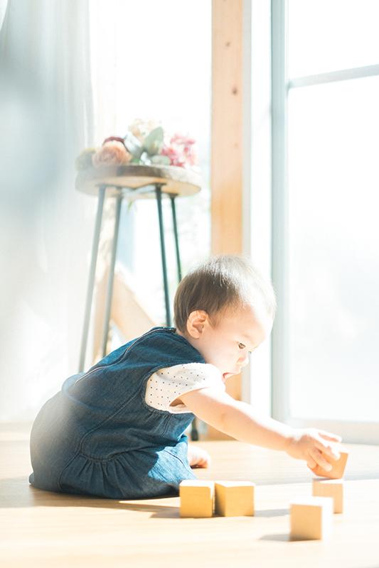 みのりちゃん!1歳のバースデー!ブロックで遊ぶ