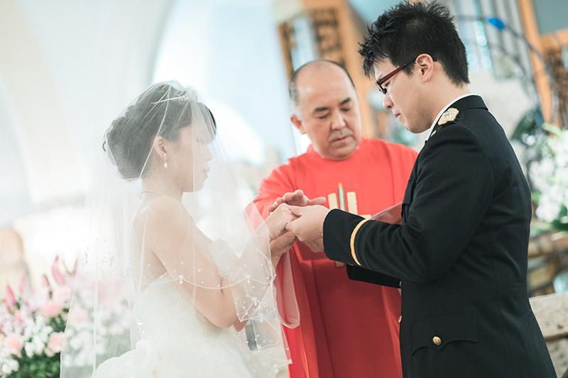 ウエディング、宇都宮の松が峰教会で挙式。万感胸に迫る