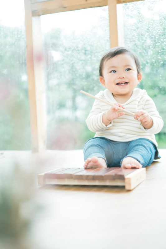 めいちゃん、1歳バースデー!木琴で遊ぶ