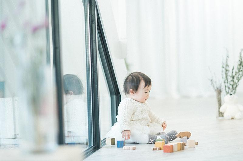 ふゆちゃん、1歳バースデー!ブロックで遊ぶ