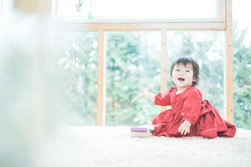 1歳バースデーフォト!まなかちゃん!赤いおしゃれワンピース