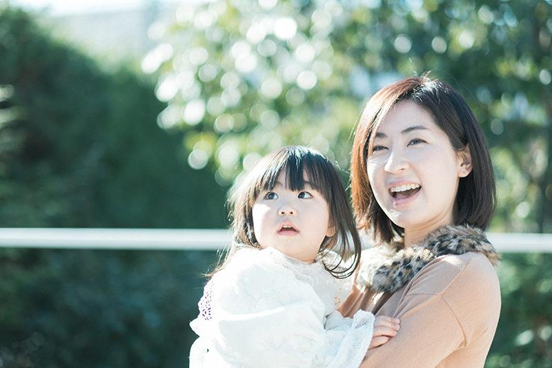 2歳バースデーフォト、あみちゃん!ママと一緒に