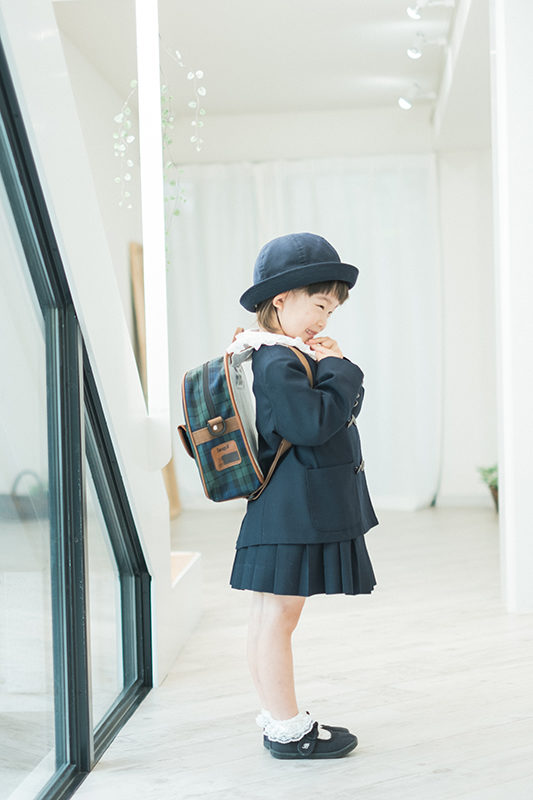 幼稚園の入園、可愛い制服で
