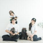 5歳七五三、記念の家族写真、ワンちゃんたち - 宇都宮のフォトスタジオ イマピクトで