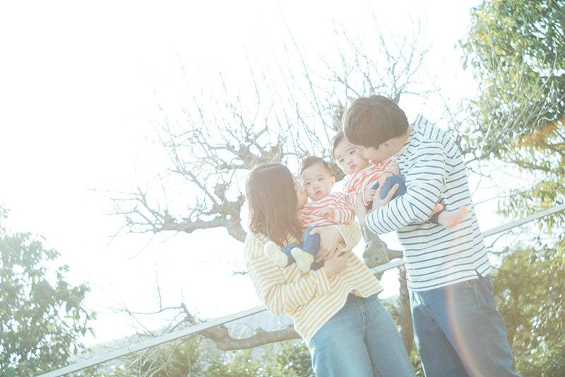 バースデーフォト、ちはやちゃん、みはやちゃん!家族写真、おそろいコーデ