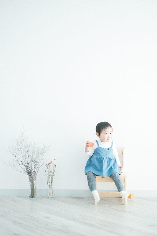 1歳バースデー、まほちゃん!積み木で遊ぶ