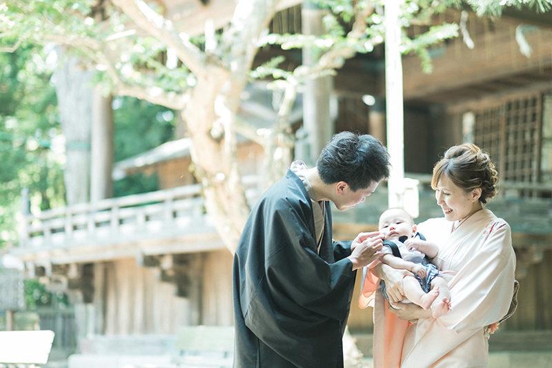 宇都宮二荒山神社、お宮参り出張撮影!ゆうくん、神楽殿の前で