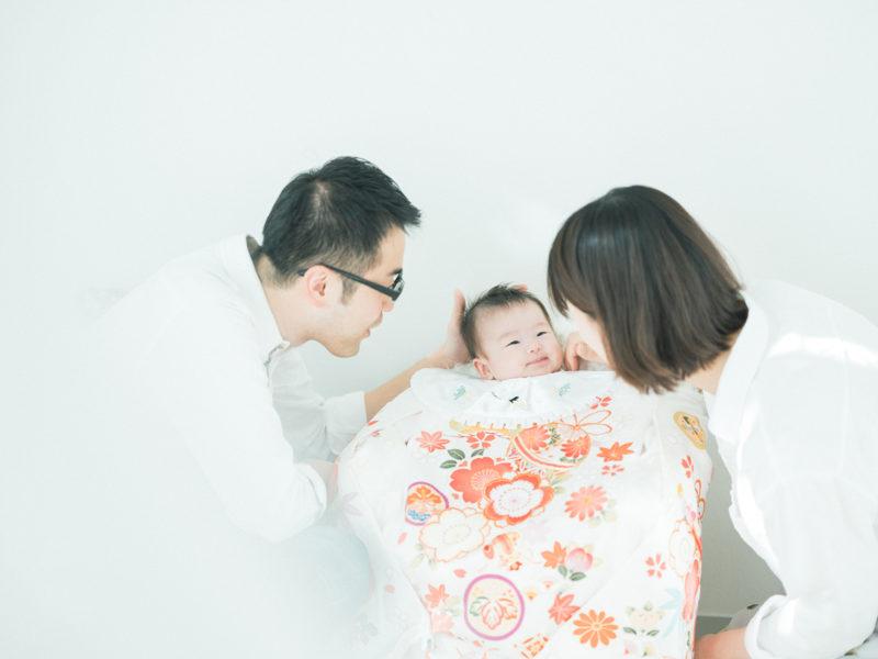 お宮参り、さえちゃん!産着、家族写真