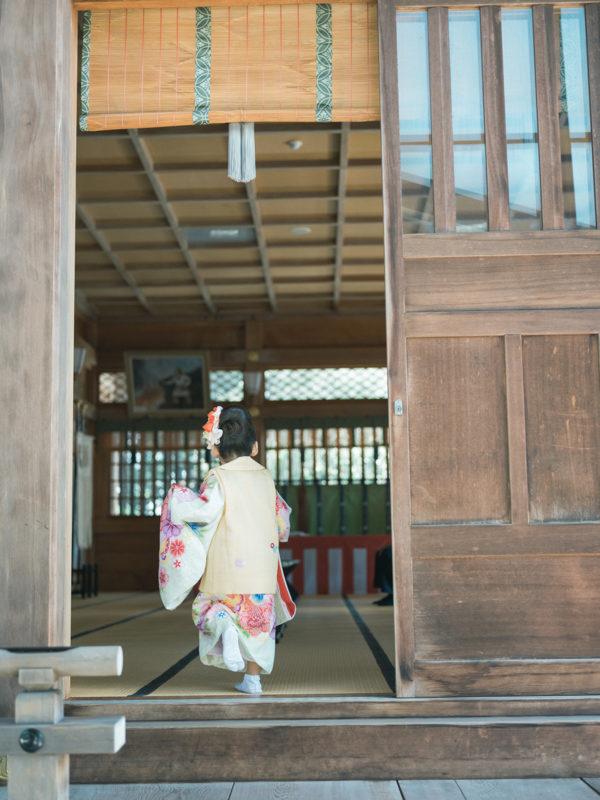 白鷺神社、3歳七五三、ふみちゃん!ご祈祷へ