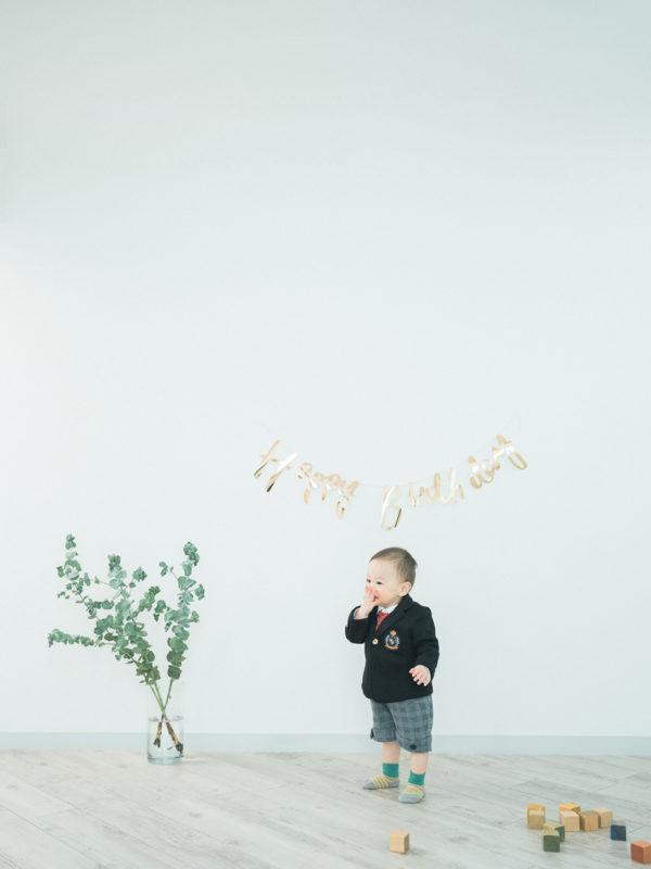1歳バースデーフォト、きすけくん!可愛いポーズ