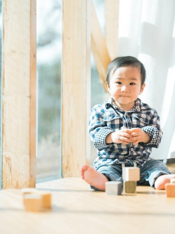 1歳バースデーフォト、そうくん!積み木
