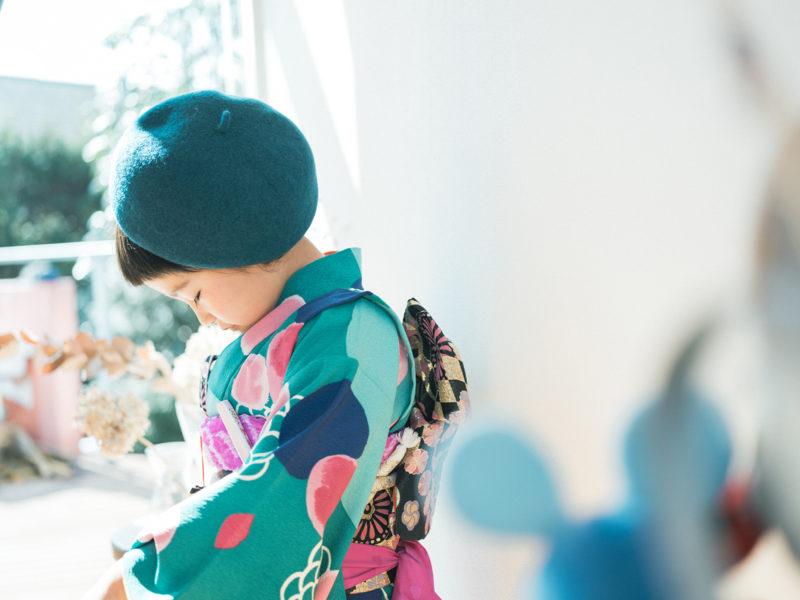 7歳七五三、うたちゃん!お洒落な帽子とモダンな着物