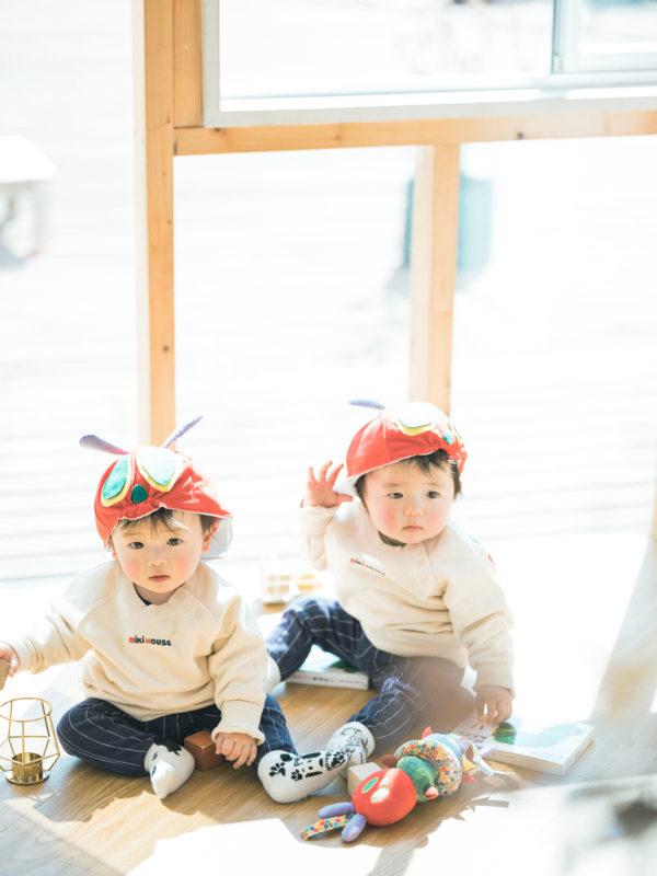 双子、1歳バースデーフォト!はらぺこあおむし