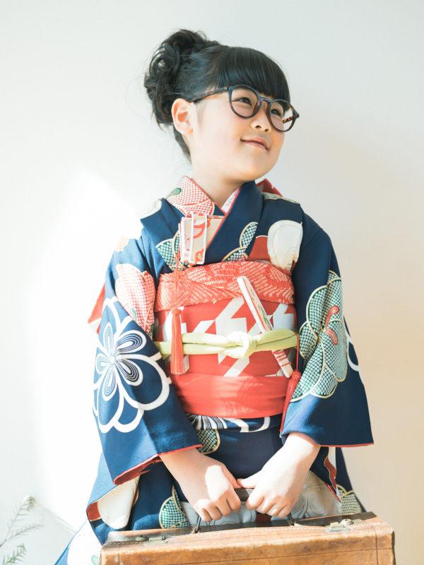 7歳七五三、ときちゃん!アンティークバッグとお洒落メガネ