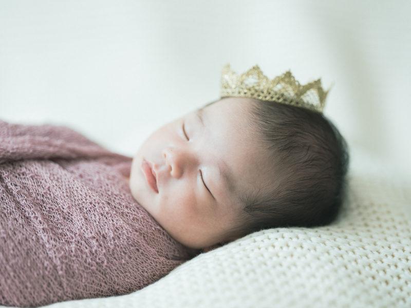 宇都宮、自宅出張撮影ニューボーンフォト、ももかちゃん!可愛い王冠