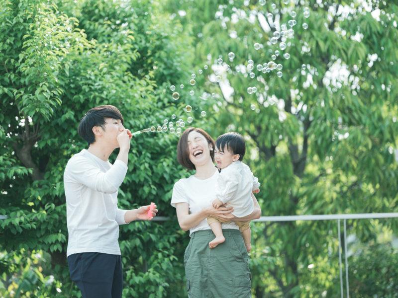 1歳バースデーフォト、さくくん!家族写真、泣き顔