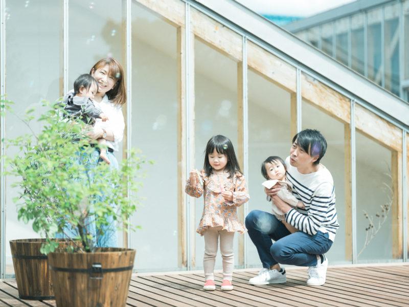 双子、バースデーフォト!さやちゃん、ちさちゃん!家族写真