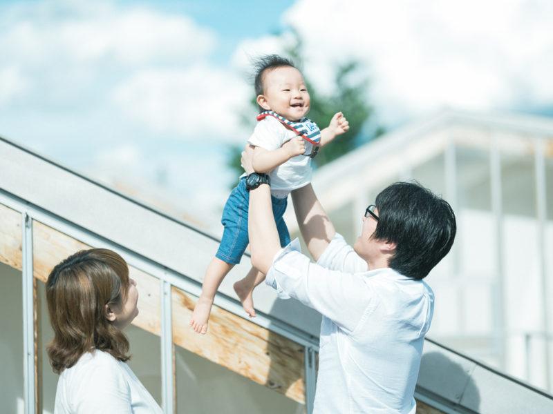 1歳バースデーフォト、ゆうとくん!家族写真