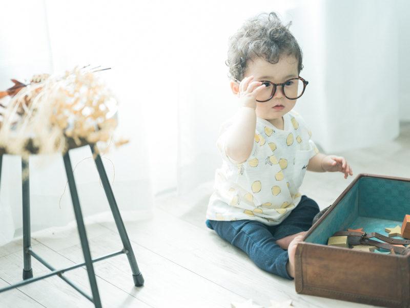 1歳バースデーフォト、おとくん!お洒落メガネ