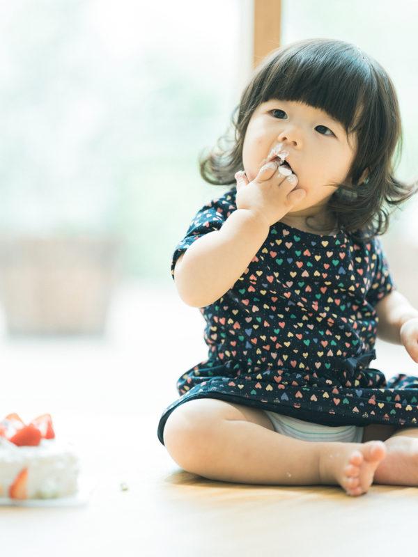 1歳バースデーフォト、つきのちゃん!スマッシュケーキ