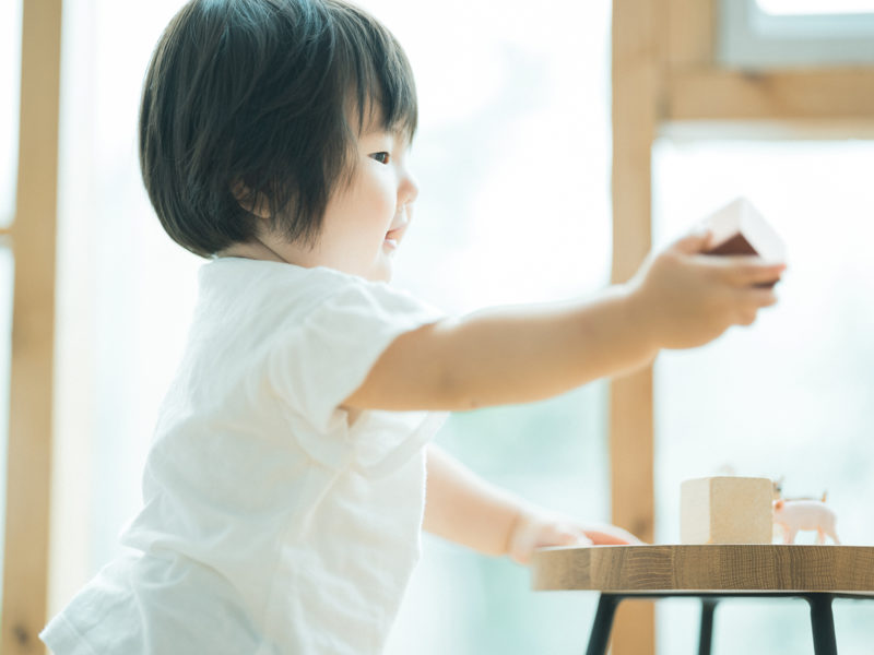 1歳バースデーフォト、ほのかちゃん!積み木