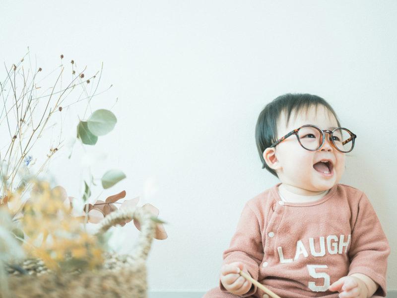 1歳バースデーフォト、りゅうちゃん!お洒落メガネ、だて眼鏡