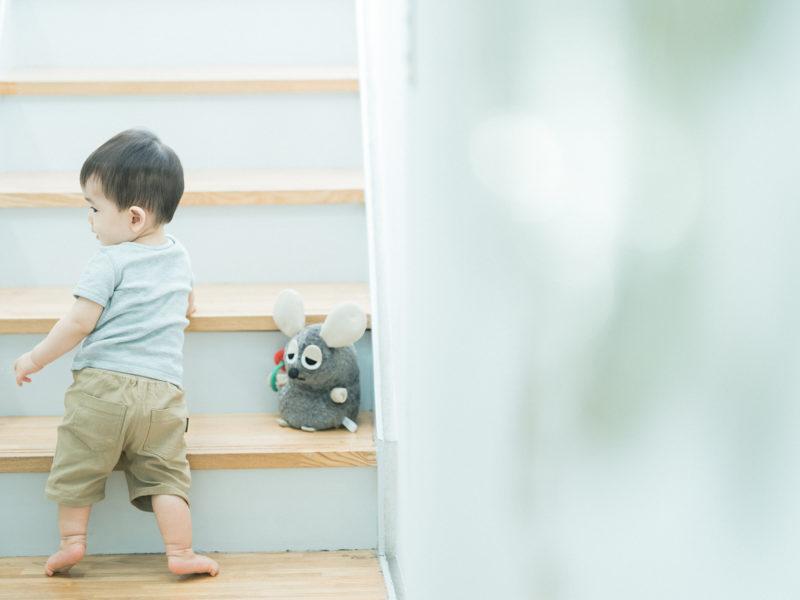 1歳バースデーフォト、こうちゃん!可愛い後ろ姿