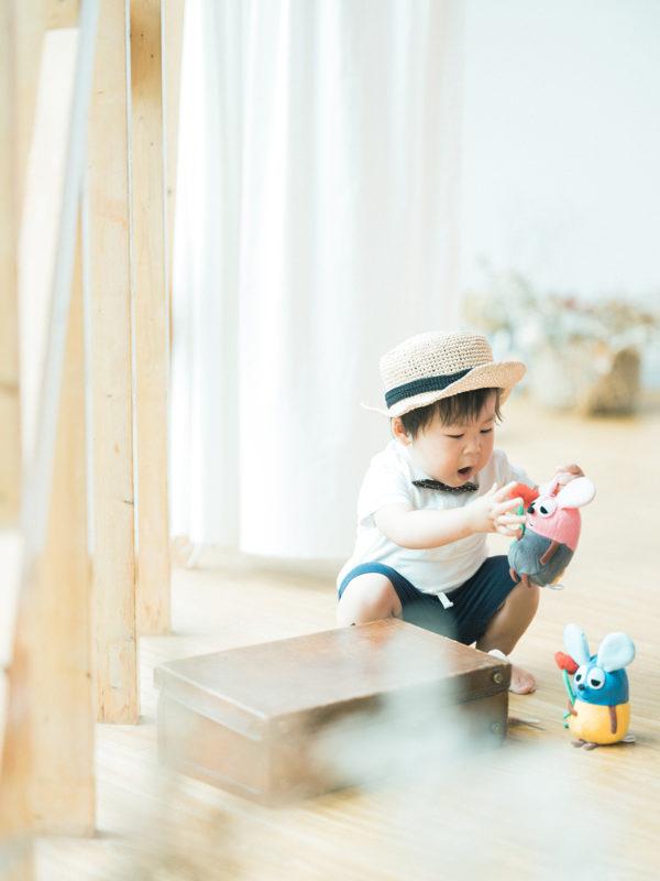 2歳バースデーフォト、あおいくん!お洒落な麦わら帽子