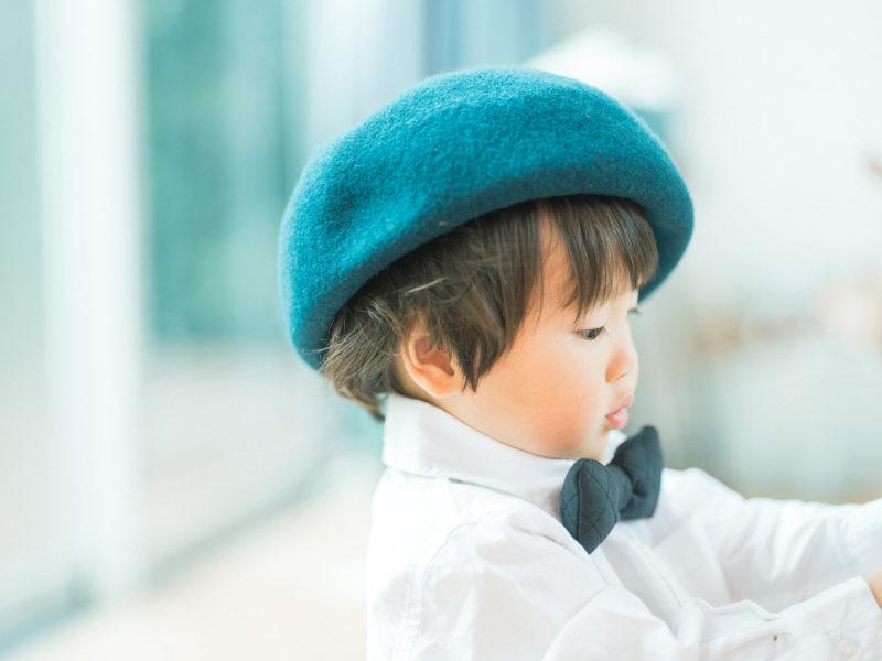 2歳バースデーフォト、たいすけくん!お洒落帽子、お洒落ボウタイ