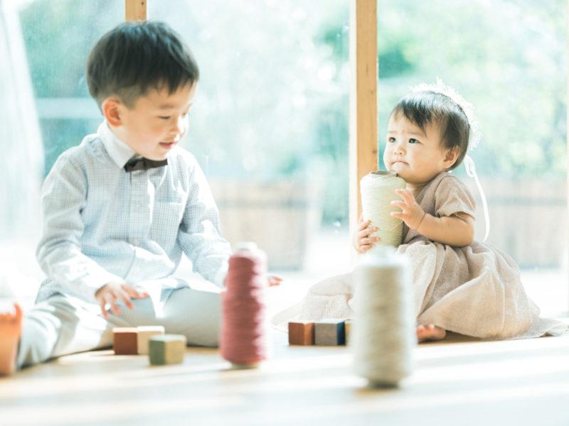 1歳バースデーフォト、はのんちゃん!兄弟写真、自然光