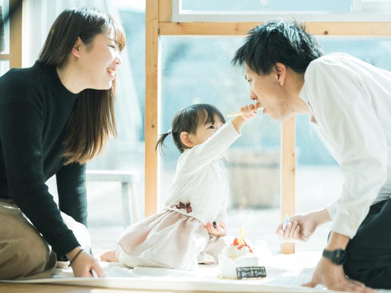 2歳バースデーフォト、みつきちゃん!ケーキ、家族写真