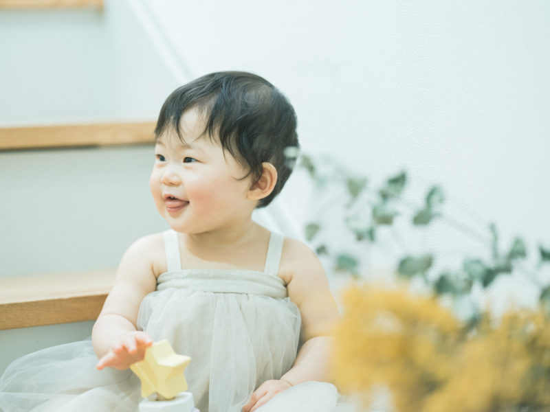 1歳バースデーフォト、りのちゃん!可愛いワンピース