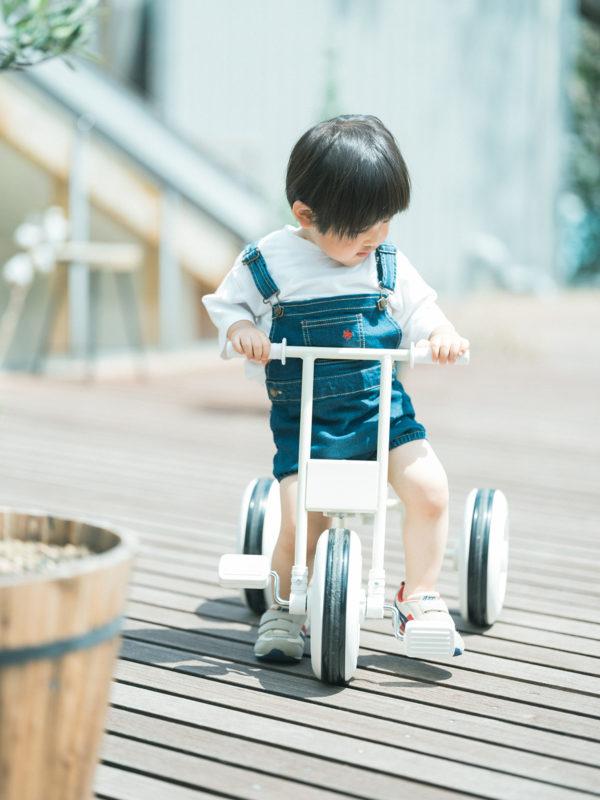 2歳バースデーフォト、ちあきくん!三輪車、誕生日プレゼント