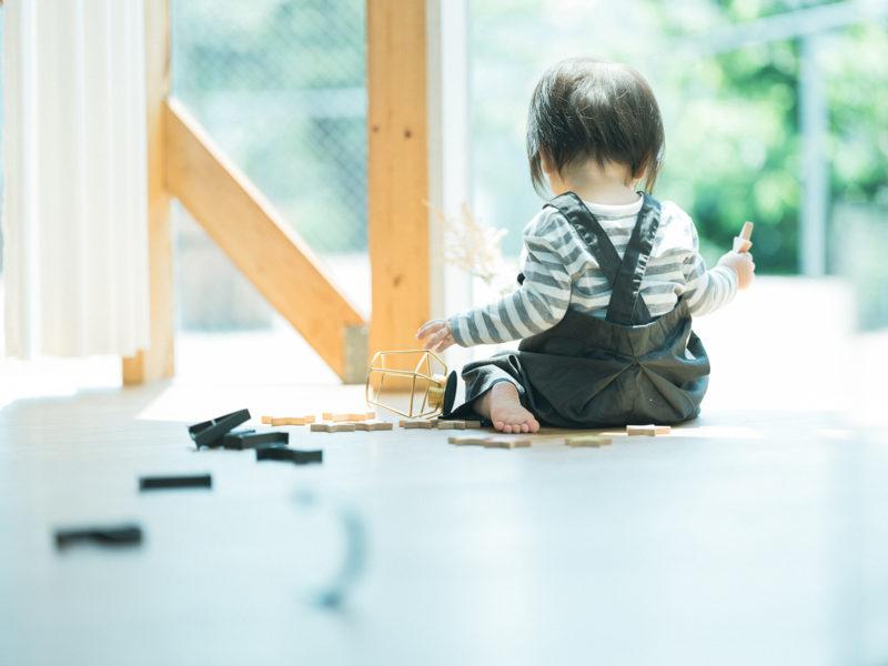 1歳バースデーフォト、りょうたろうくん!可愛い後ろ姿