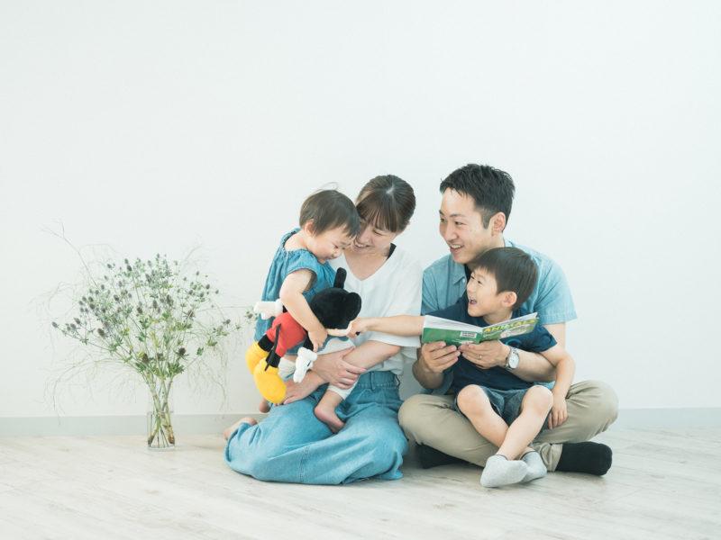 2歳バースデーフォト、あやめちゃん!家族写真