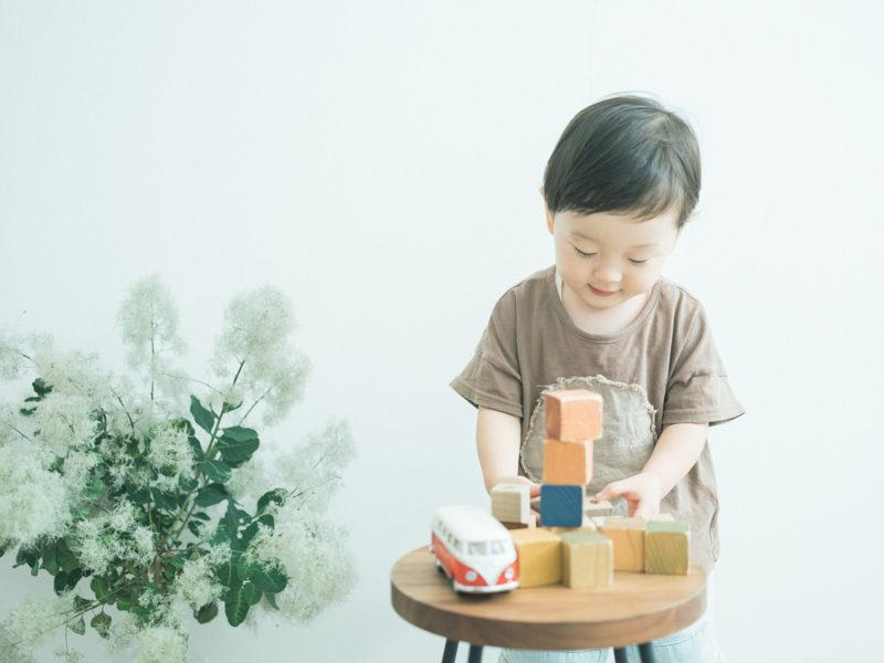 2歳バースデーフォト、そうすけくん!広松木工の積み木、VWバス