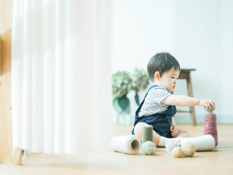 あおばくん、1歳バースデーフォト!ロックミシンの糸