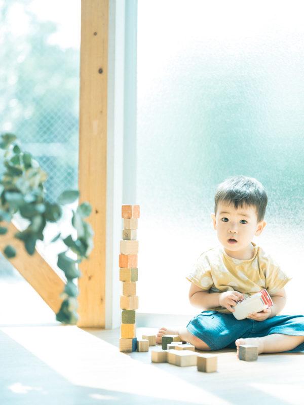 2歳バースデーフォト、こういちろうくん!積み木