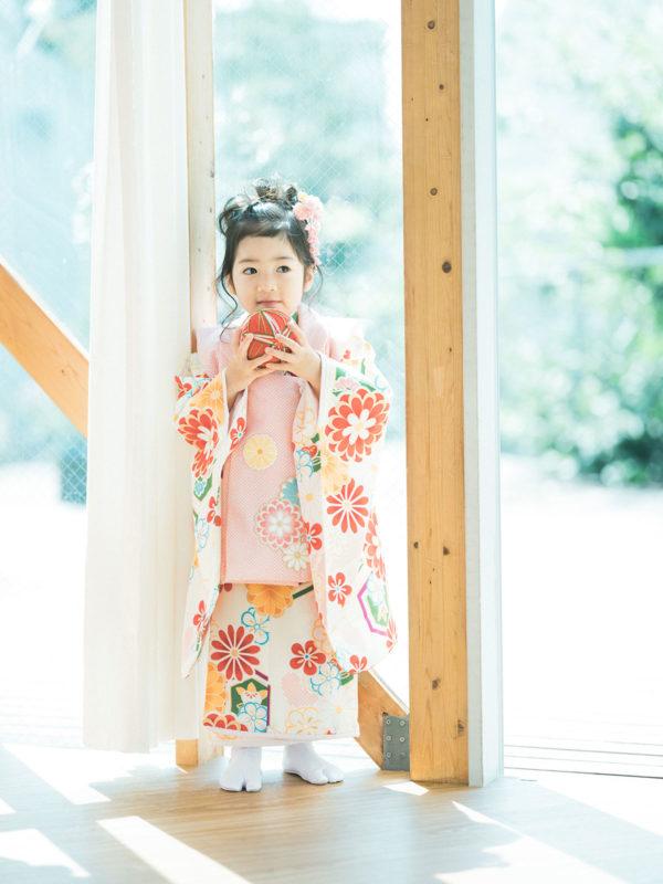 3歳七五三、りのちゃん!モダンでお洒落な着物。鞠