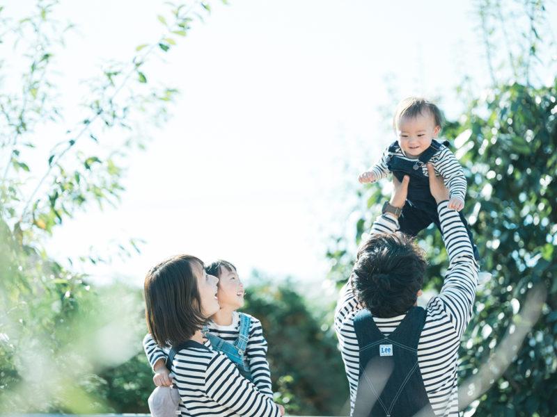 1歳バースデーフォト、かんたくん!家族写真、たかいたかい