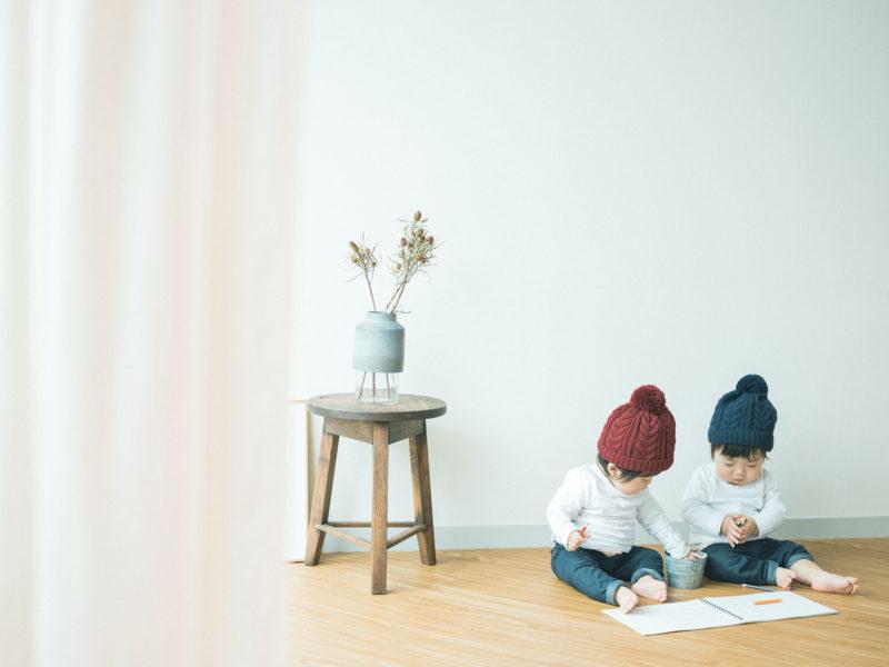 1歳バースデーフォト、双子ちゃん、いちかちゃん、たいようくん!お絵かき