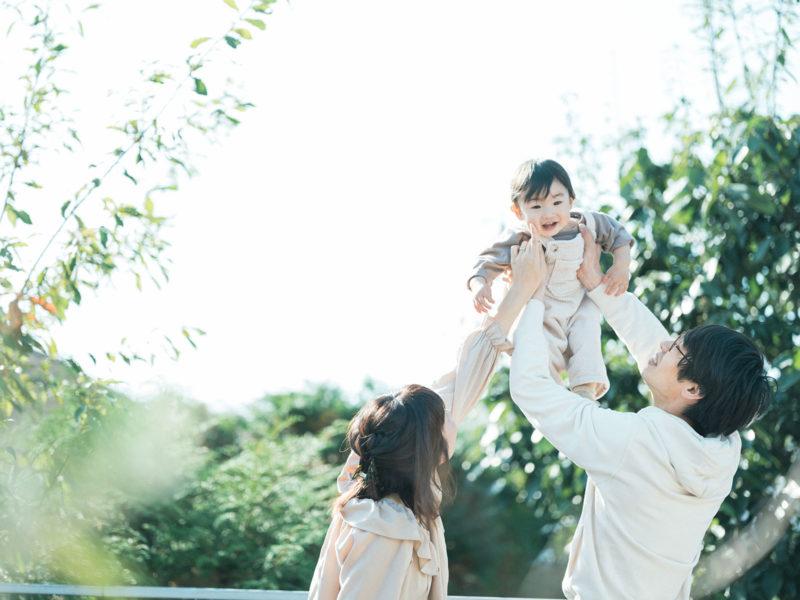 1歳バースデーフォト、さくくん!家族写真、たかいたかい