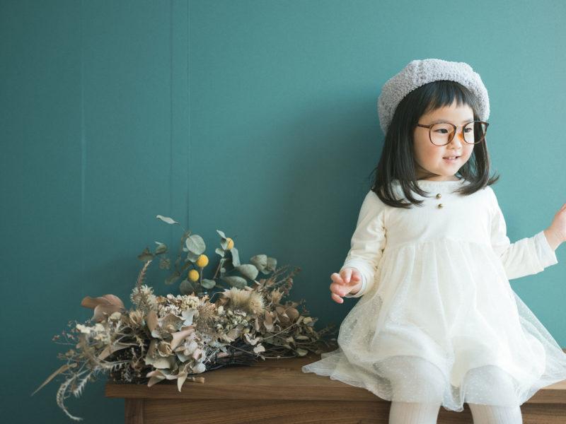 4歳バースデーフォト、ゆあちゃん!伊達メガネ