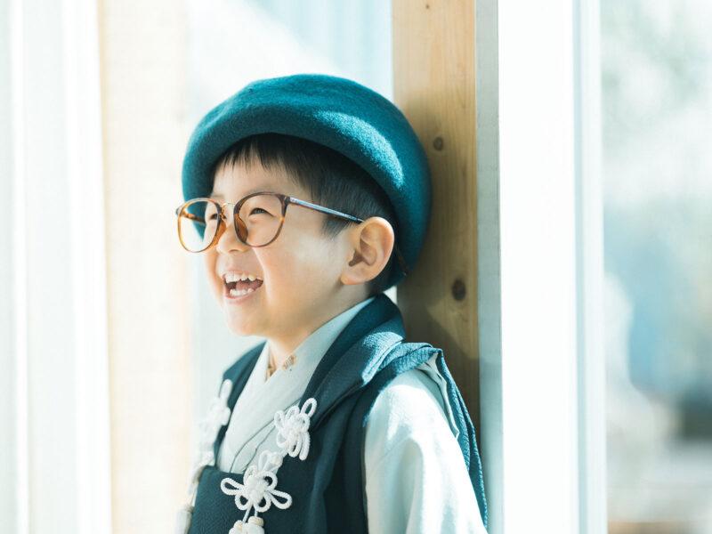 3歳男の子七五三、いつきくん!お洒落コーデ、伊達メガネ、ベレー帽