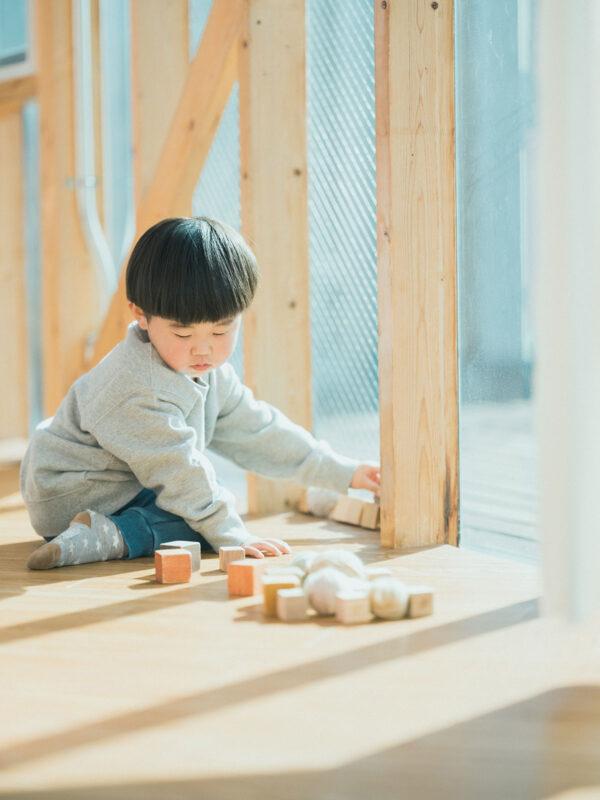 3歳バースデーフォト、そうすけくん!積み木