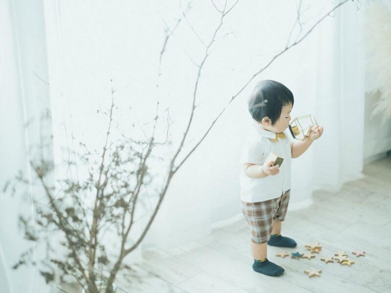 1歳バースデーフォト、けんたくん!積み木